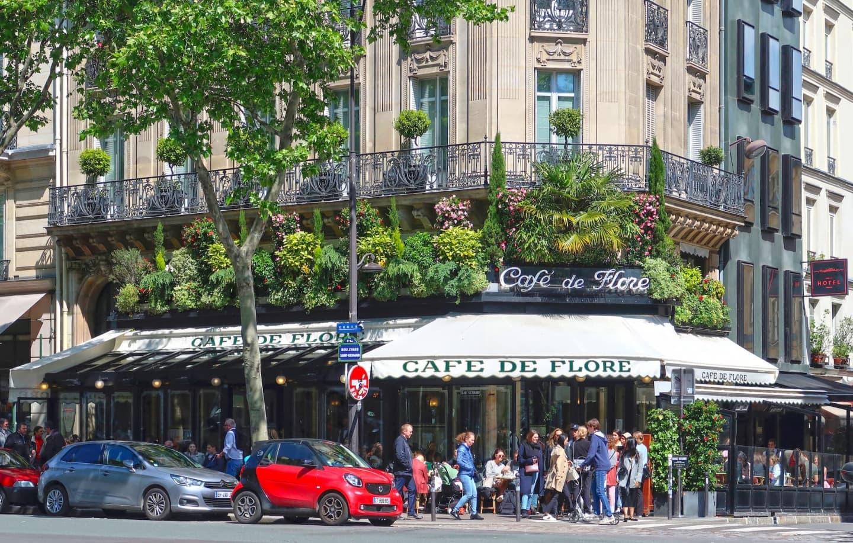 Café de Flore în Saint-Germain-des-Prés