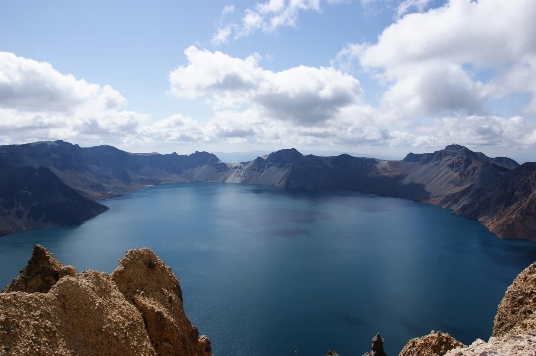 Lacul Paradisului în caldera Munților Paektusan