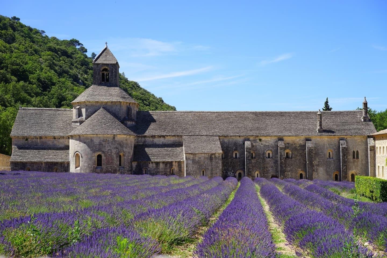 Abația Notre-Dame de Sénanque în Provența