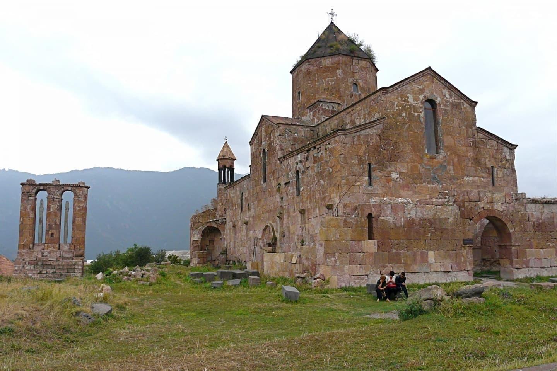 Bazilica cu cupolă din Odzun