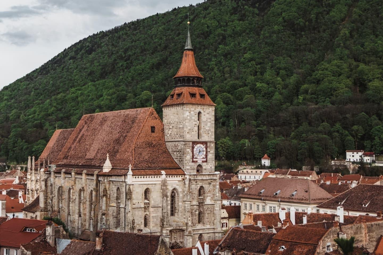 Biserica Neagră și turnul său cu ceas