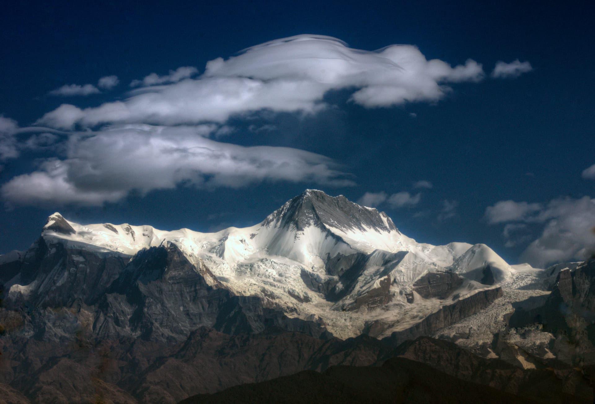 Locul 10 cei mai înalți munți - Annapurna