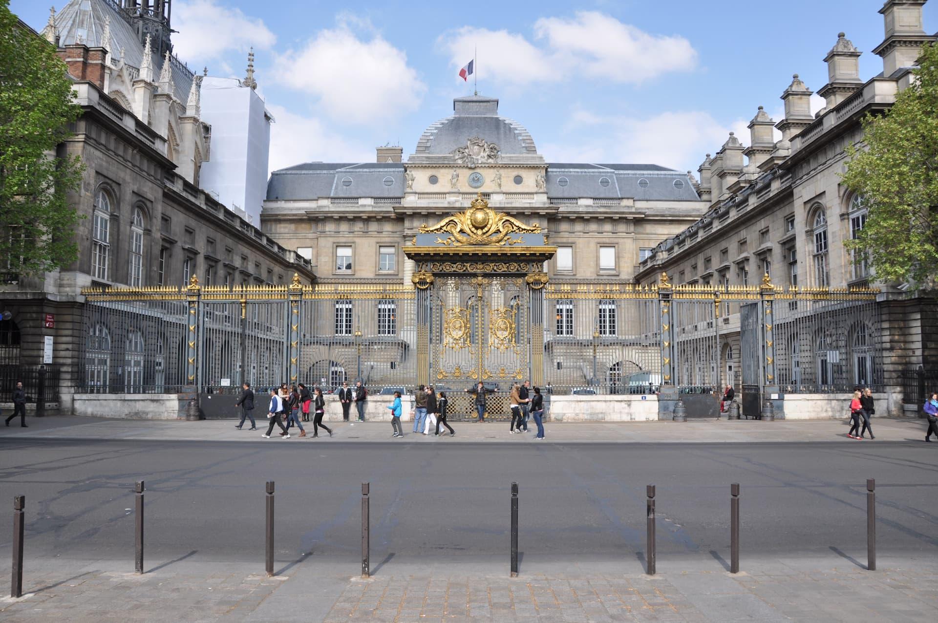 Palatul de Justiție - 1er Arrondissement