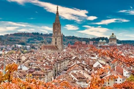 Panoramă Berna - catedrala în centru
