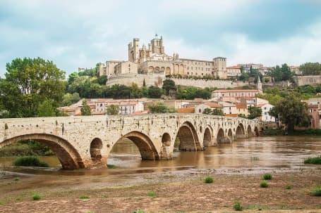 Panoramă a orașului vechi Béziers
