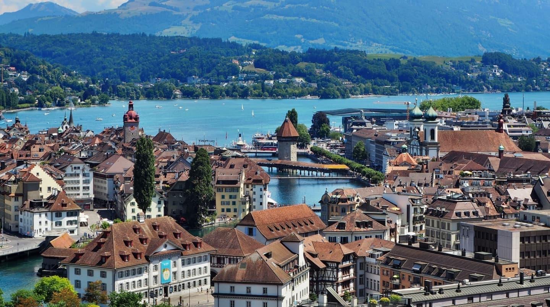 Zona Lacului Lucerna