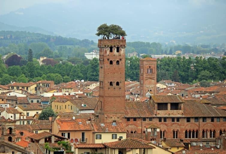 Turnul Guinigi din Lucca