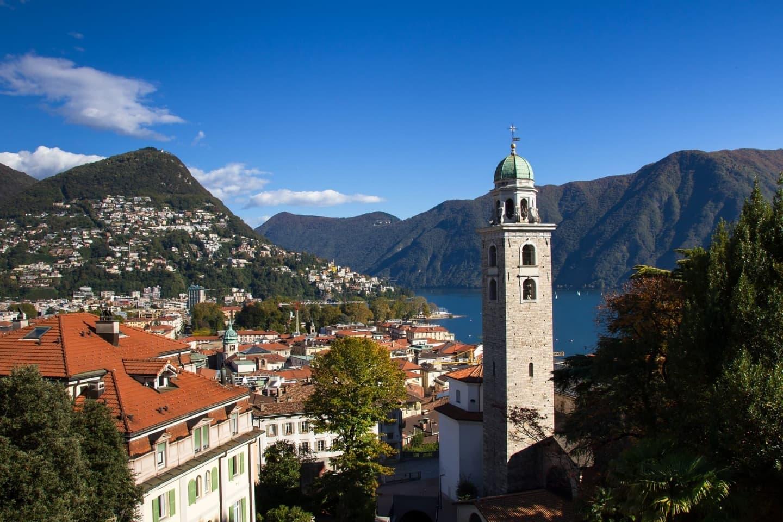 Lacul Lugano și biserica San Lorenzo