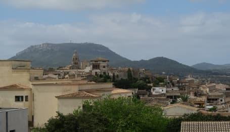Panoramă Montuïri văzut de pe Muzeul de Arheologie
