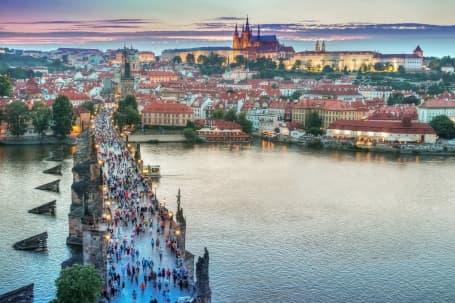 Panoramă Praga, cu Podul Carol și Cetatea