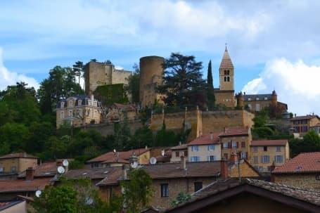 Castelul Azergues din ținutul Beaujolais