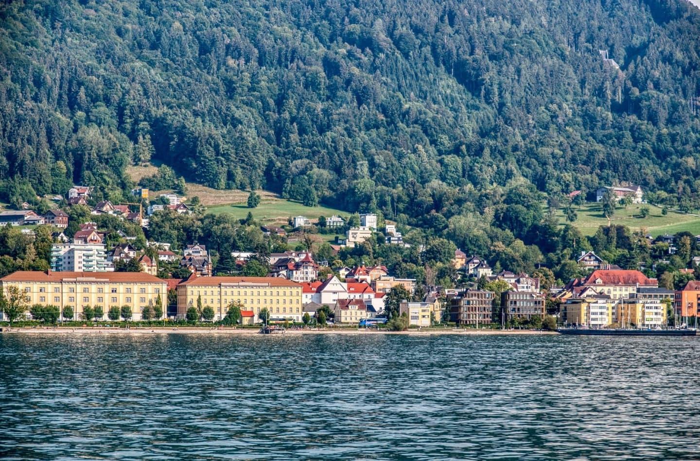 Bregenz văzut de pe Bodensee (Lacul Constanța)