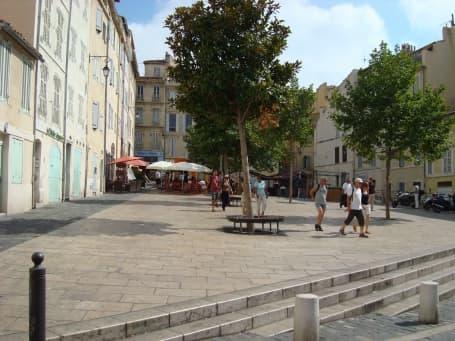 Piață din cartierul Le Panier