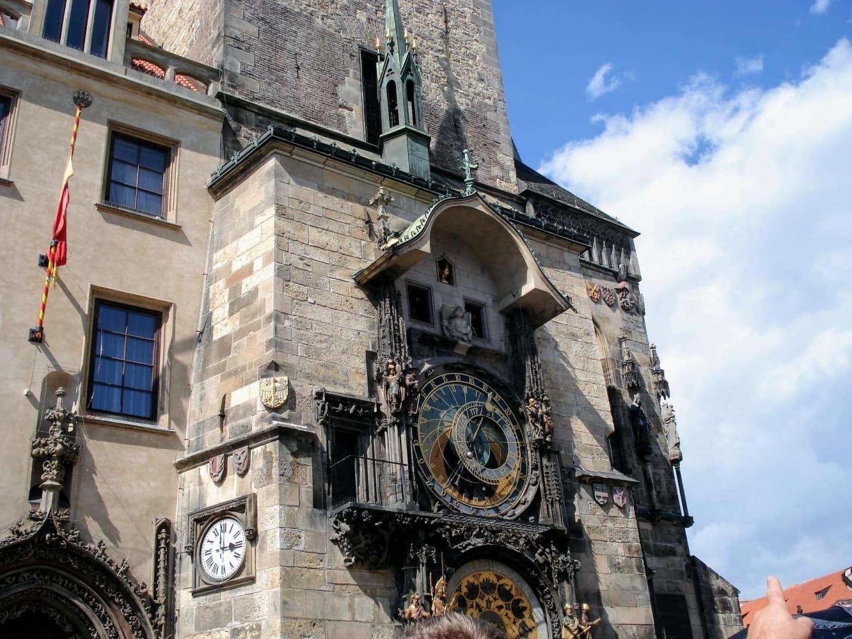 Turnul primăriei din Praga cu ceasul astronomic
