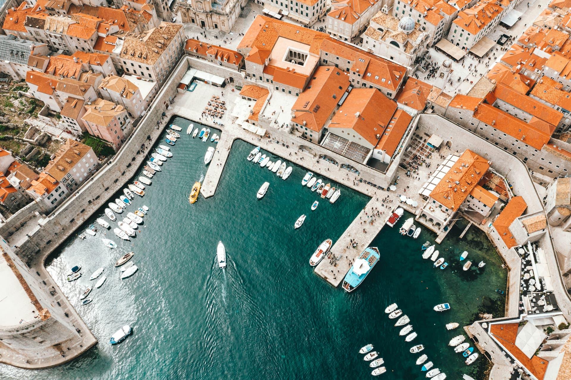 Vedere aeriană a portului de agrement din Split